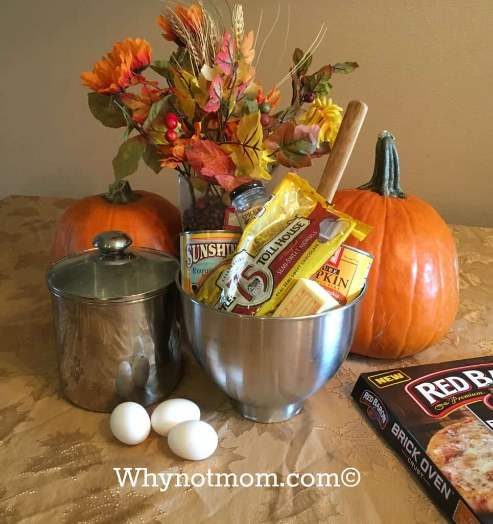 'Easy As Pie' PUMPKIN Cake #Recipe perfect for #Fall #ad #Halloween #Thanksgiving #Christmas #food #Baking
