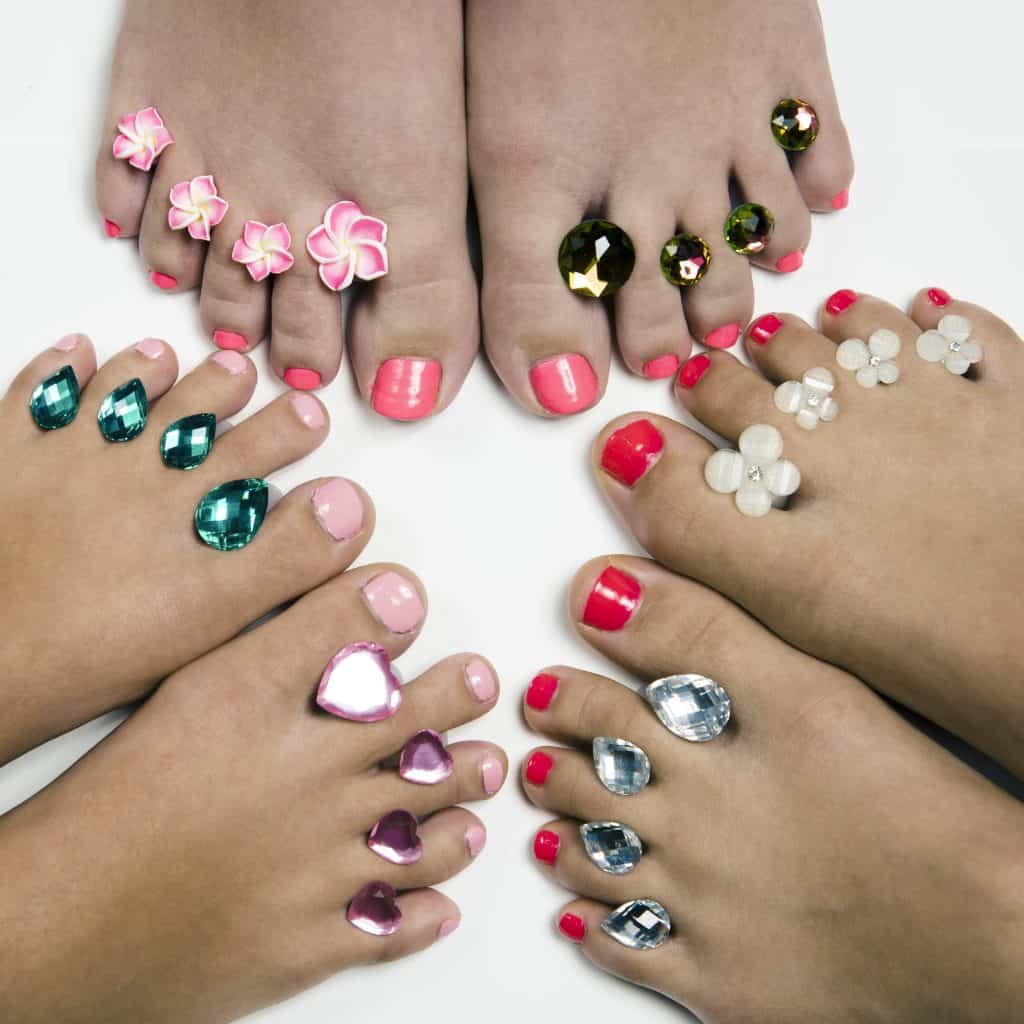 Buy your Dip into Pretty Pedicure spacers here: ==>http://amzn.to/2u3zPNg #beauty #pedicure #nailpolish #nailart #mothersday #gifts