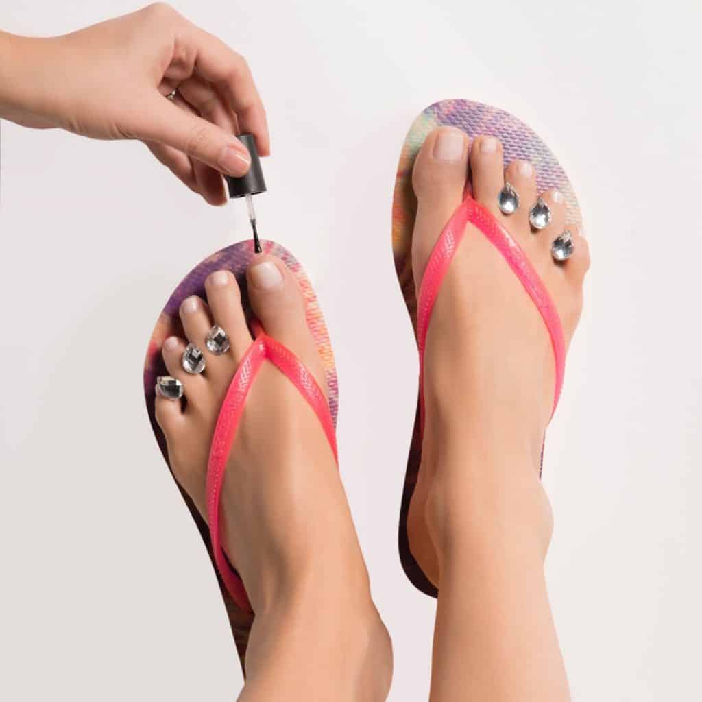 Buy your Dip into Pretty Pedicure spacers here: ==>http://amzn.to/2qjr53H #beauty #pedicure #nailpolish #nailart #mothersday #gifts #giveaway #sweeps