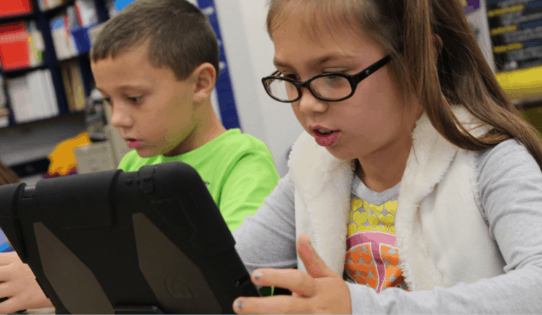 children on tablets or ipads screen time