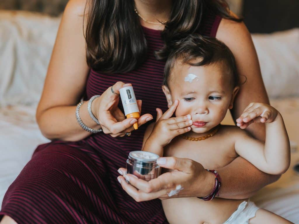 toddler-son-wanting-mommy-s-moisturize